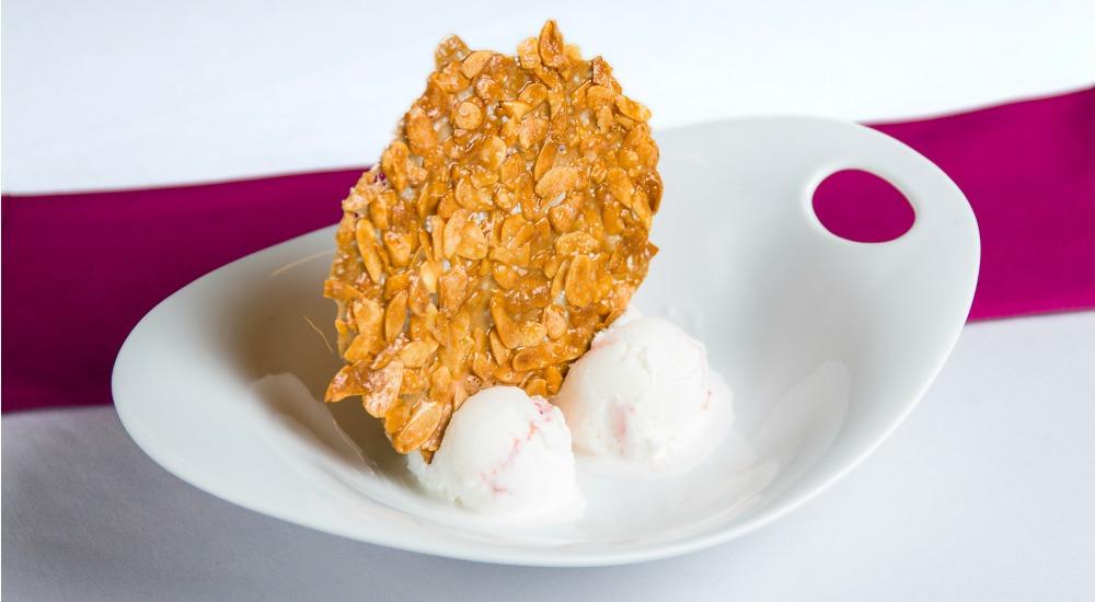 helado de yogur con grosellas