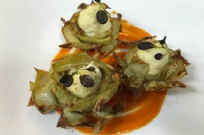 Alcachofas rellenas de brandada de bacalao con salsa de piquillo - Jornadas de Bacalao